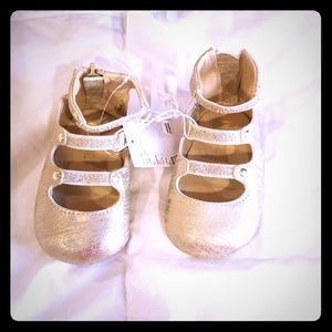 Shoes for baby girl good condition new